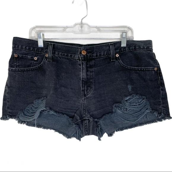 Levi's black denim distressed shorts sz 32